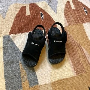Champion sporty kids sandals 8.5